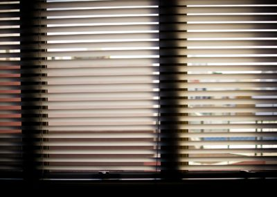 window-blinds-932644_1280